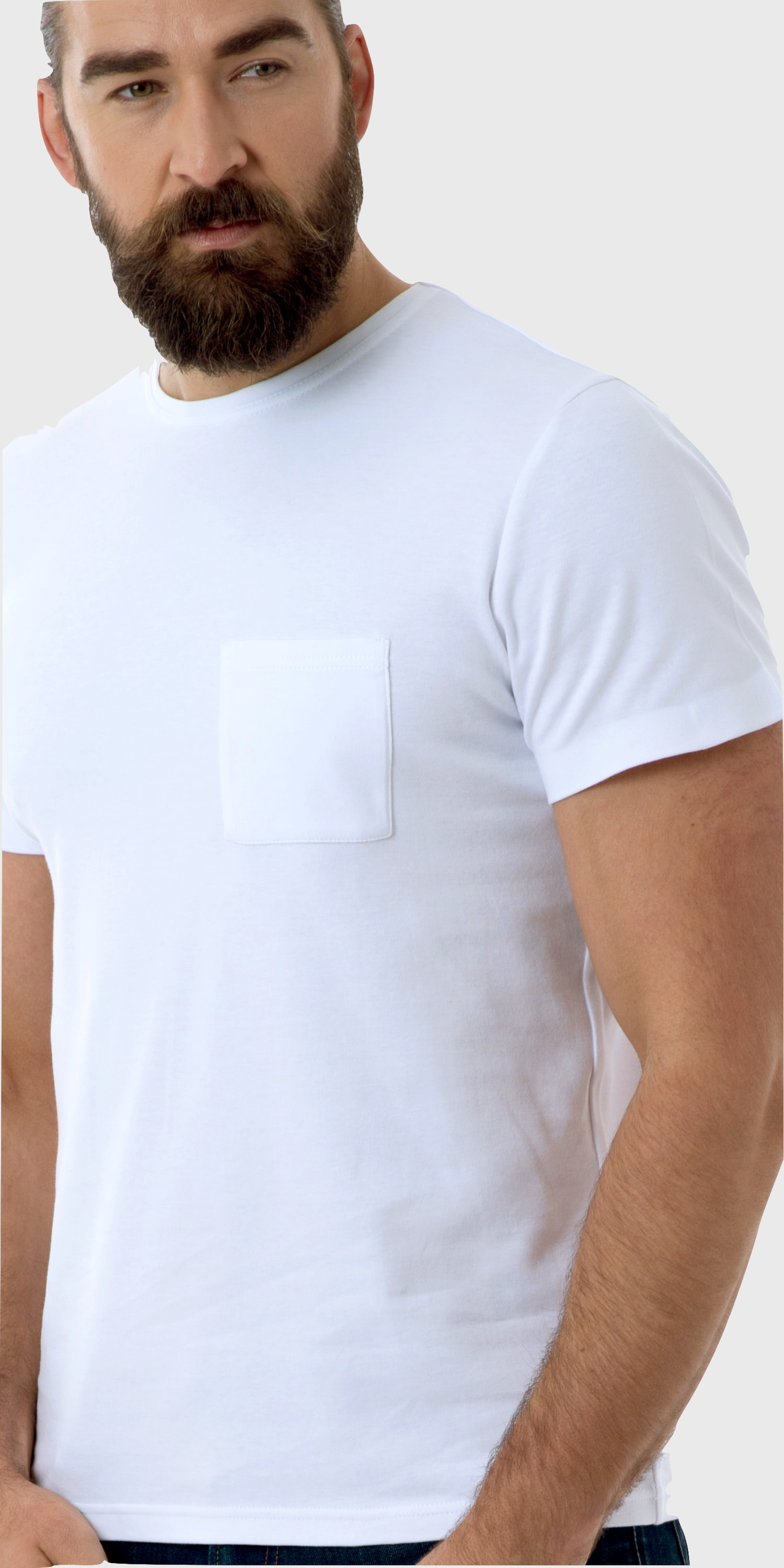 mens white t-shirt with pocket close up