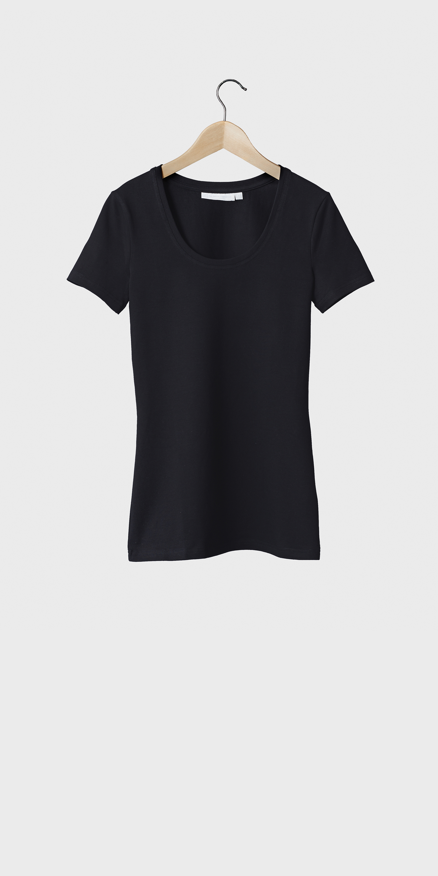 womens black tshirt short sleeved scoop neck fitted