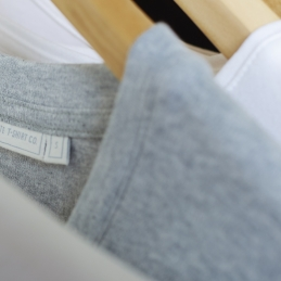 The white t-shirt co grey marl round neck t-shirt detail