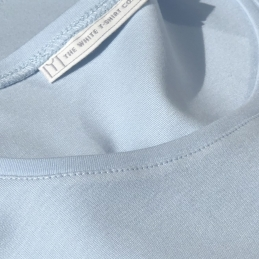 white-sleep-tee-neck-stitching-detail