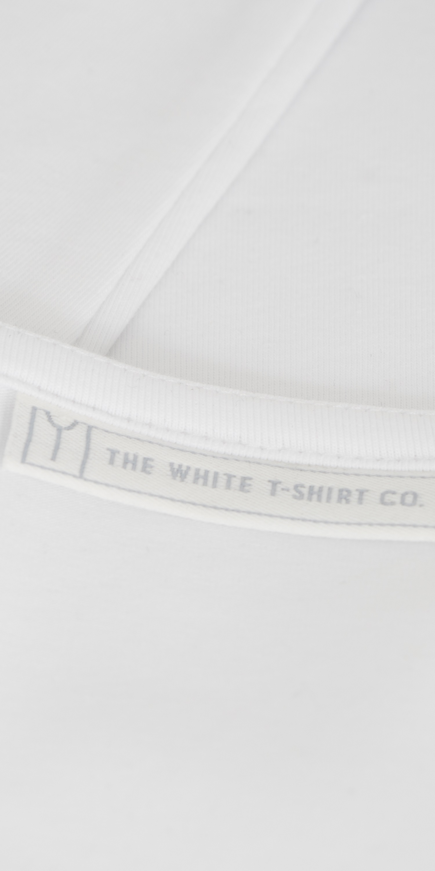 white-organic-cotton-self-faced-scoop-stitching-detail